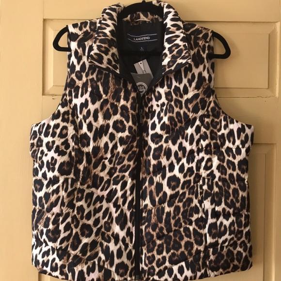 ddb458ae4dc7f2 NWT Leopard print puffy down vest